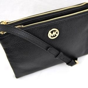 Michael Kors leather FULTON crossbody bag.